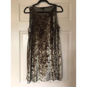 Forever21 crushed velvet dress